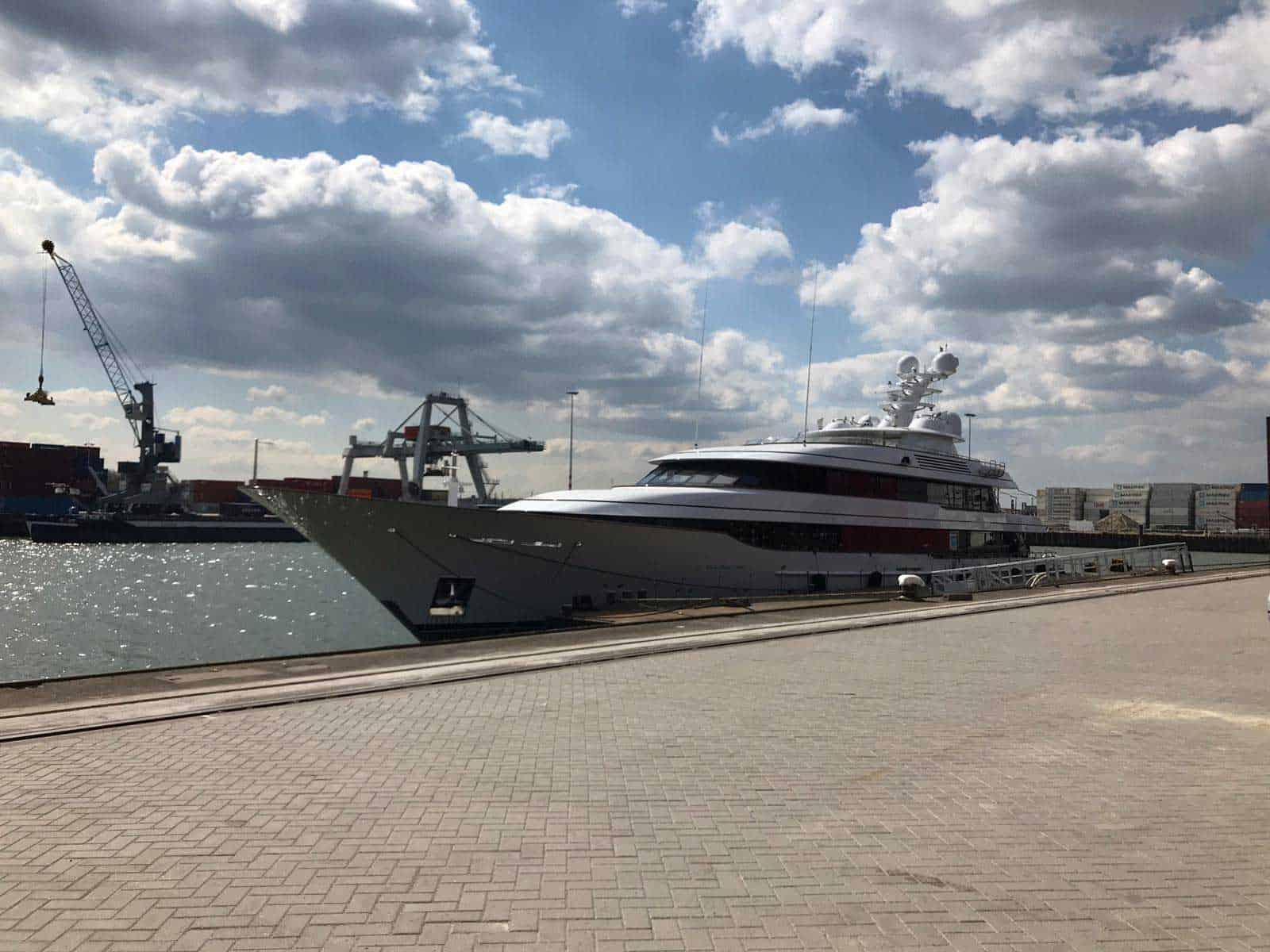 https://bridges2000.nl/wp-content/uploads/2021/04/bridges2000-project-yacht-gangway-2019-04.jpg